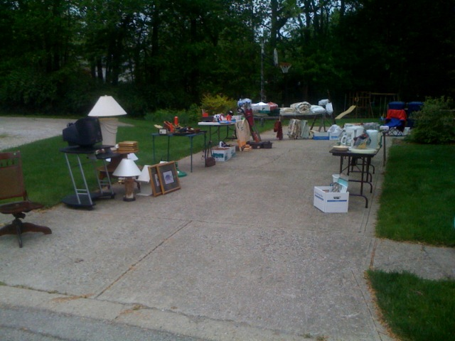 Garage sale - now we're talkin'